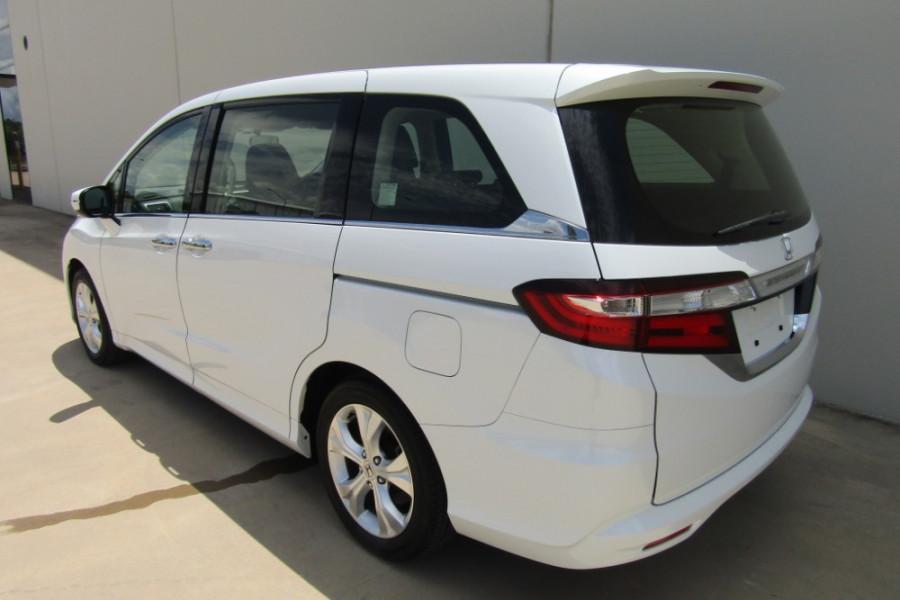 2016 Honda Odyssey 5th Gen VTi Wagon Image 21