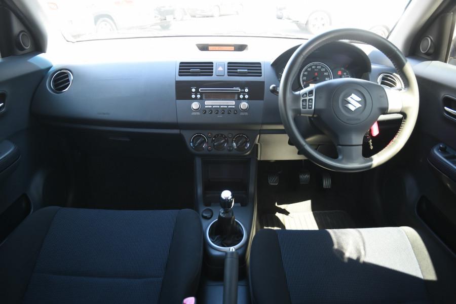 2006 Suzuki Swift RS415 RS415 Hatchback Image 8