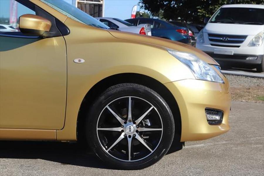 2014 Nissan Pulsar C12 ST Hatchback Image 7