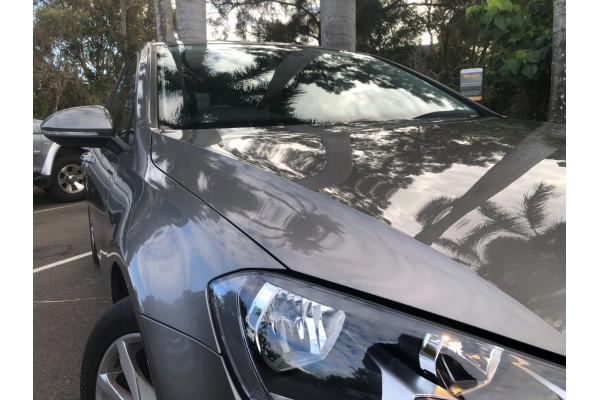 2016 Volkswagen Golf Hatchback Image 2
