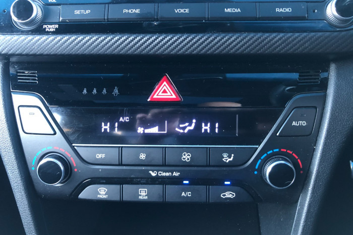 2017 MY18 Hyundai Elantra AD MY18 SR Sedan Image 21