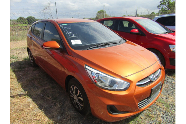 2015 Hyundai Accent RB2 MY15 ACTIVE Hatchback Image 3