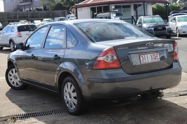 2007 Ford Focus LT CL Sedan Image 2