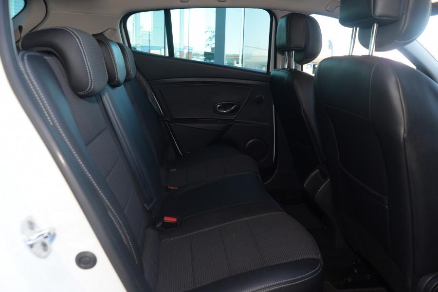 2013 Renault Megane III B95 MY13 GT-Line Hatchback Mobile Image 6