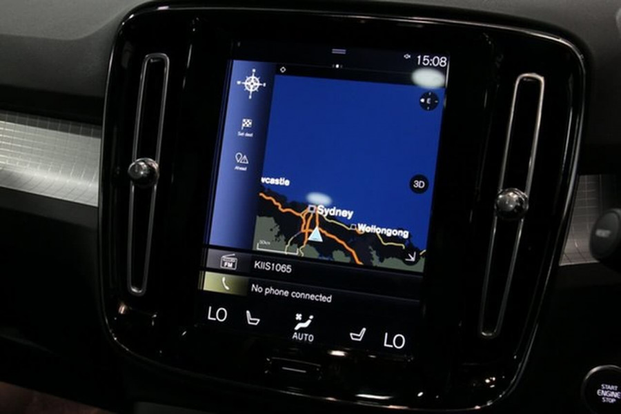 2018 MY19 Volvo XC40 XZ T4 Momentum Suv Mobile Image 7