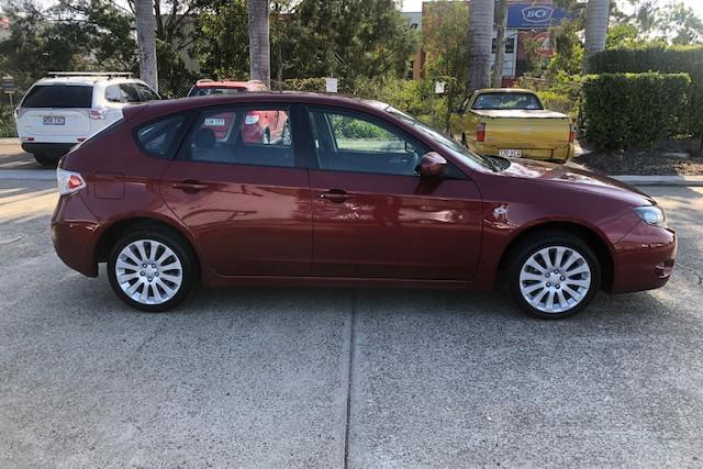 2010 Subaru Impreza R 2 of 18