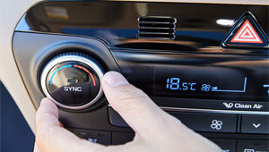 Tucson Dual-Zone Climate Control.