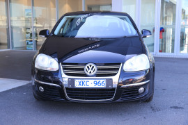 2009 Volkswagen Jetta 1KM MY09 147TSI Sedan Image 2