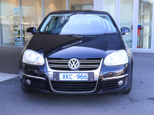 2009 Volkswagen Jetta 1KM MY09 147TSI Sedan