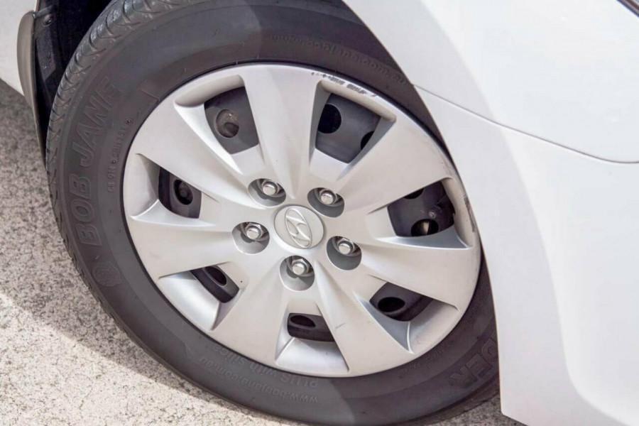 2011 Hyundai i30 FD MY11 SX 1.6 CRDi Hatchback Image 20