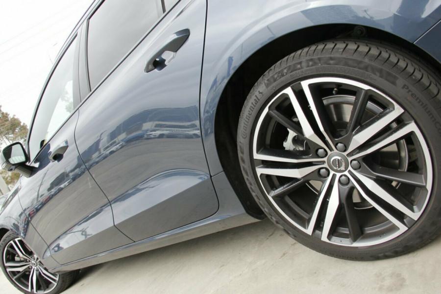 2019 MY20 Volvo V60 T5 R-Design T5 R-Design Sedan Mobile Image 4