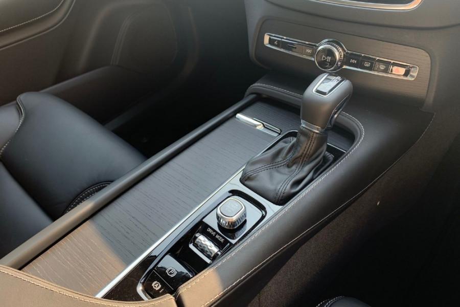 2020 Volvo XC90 L Series D5 Inscription Suv Mobile Image 5