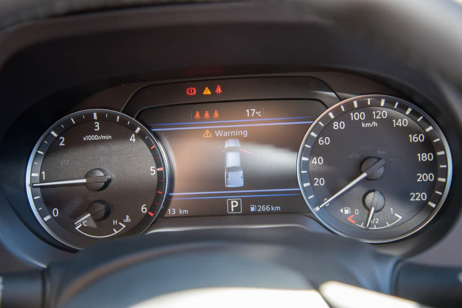 2021 Nissan Navara D23 Dual Cab ST Pick Up 4x2 Utility Image 15