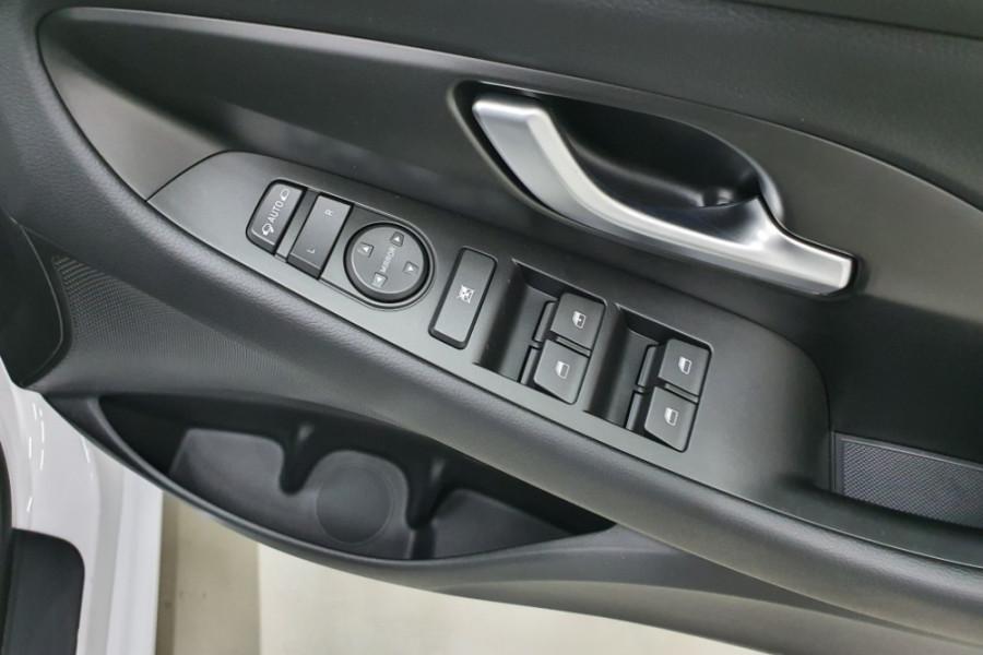 2019 MY20 Hyundai i30 PD2 Active Hatchback Image 17