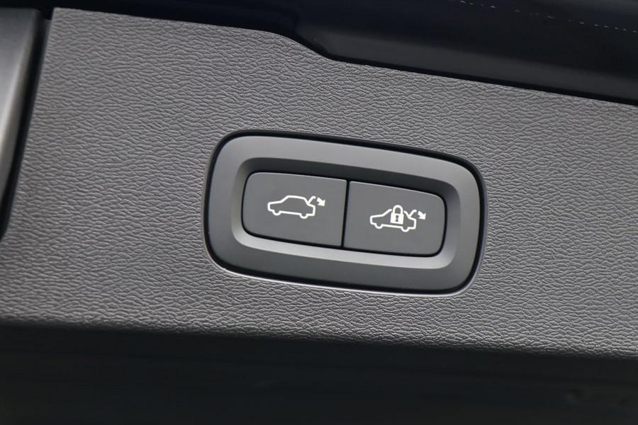 2020 Volvo V60 T5 R-Design T5 R-Design Wagon Mobile Image 19