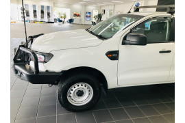 2016 Ford Ranger Cab chassis Image 4