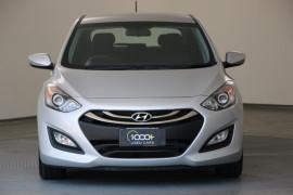2014 Hyundai I30 GD2 Active Hatchback Image 2