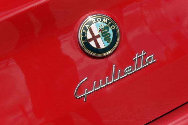 2013 Alfa Romeo Giulietta Vehicle Description.  0 MY13 PROGRESSI HBK 5DR TCT 6SP 1.4T Progression Hatchback