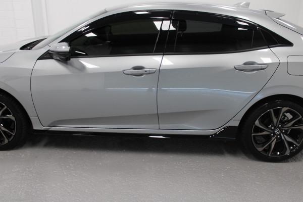 2020 Honda Civic 10th Gen  RS Hatchback Image 4