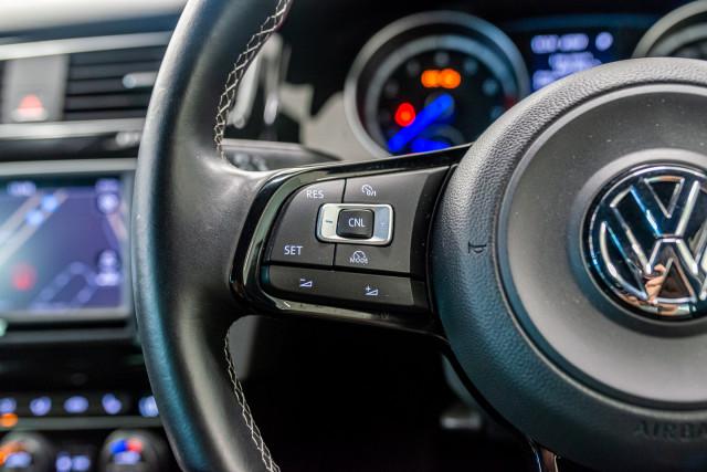 2016 Volkswagen Golf 7 R Hatchback Image 30