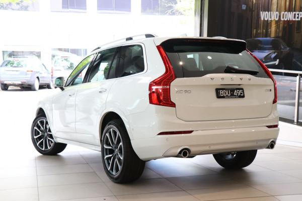 2019 Volvo XC90 L Series D5 Momentum Suv Image 3