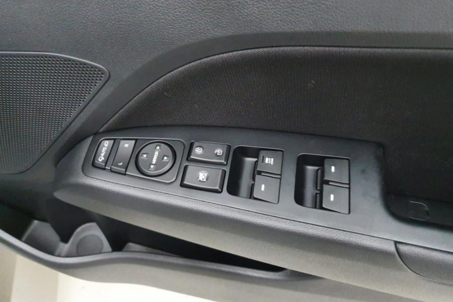 2019 Hyundai Elantra AD.2 Active Sedan Image 12