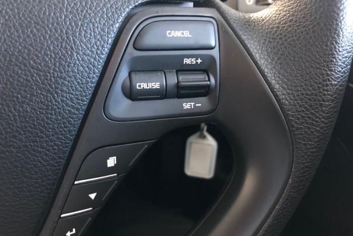 2016 Kia Cerato YD MY16 S Hatchback Image 14