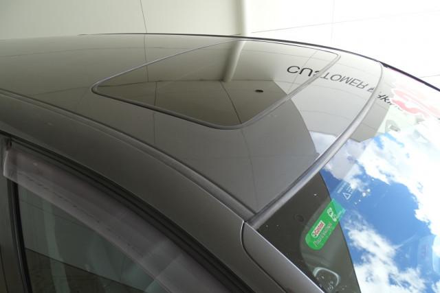2011 Honda Odyssey Luxury 20 of 30