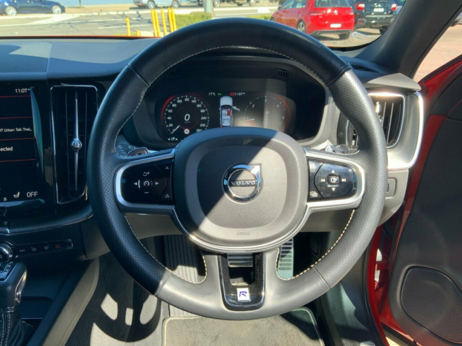 2017 Volvo XC60 DZ D5 Geartronic AWD R-Design Suv Image 16