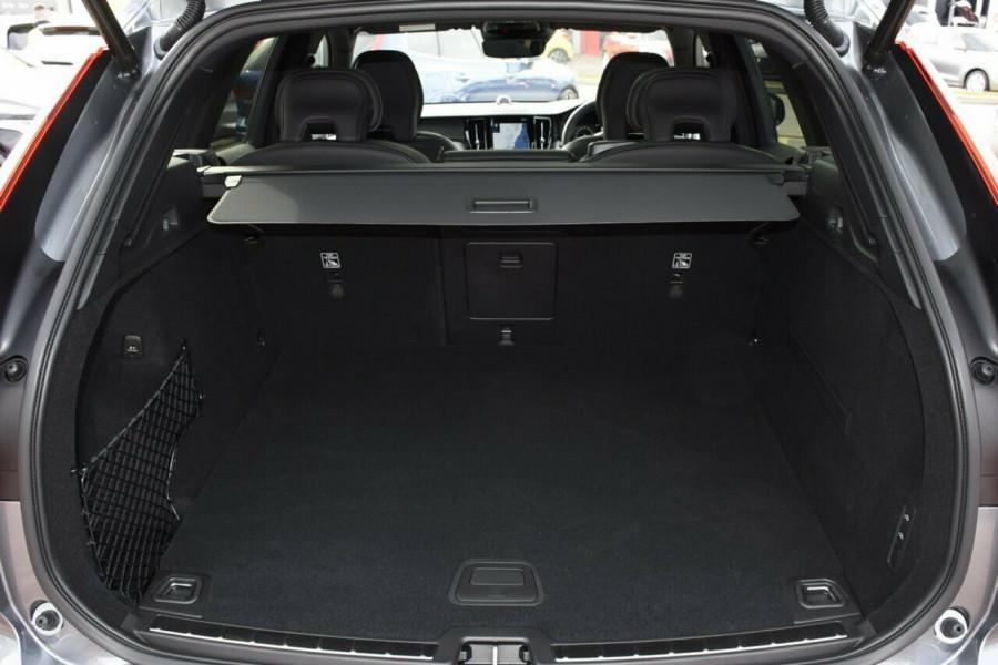 2019 Volvo XC60 UZ D5 R-Design Suv Mobile Image 19
