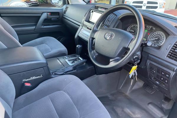 2018 Toyota Landcruiser VDJ200R GX Suv