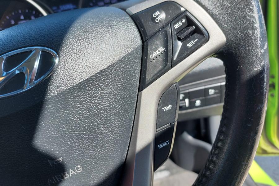 2012 Hyundai Veloster FS2 + Hatchback Image 19