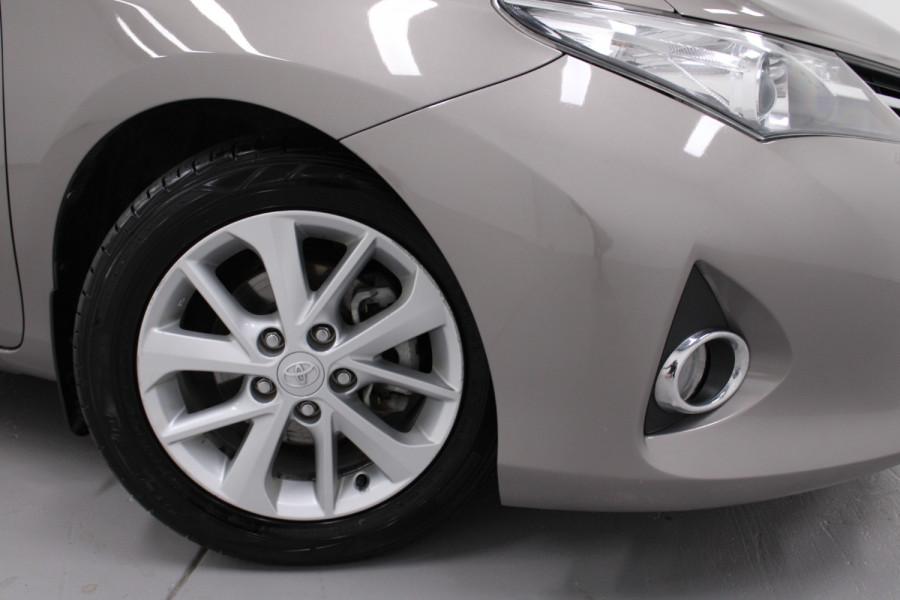 2013 Toyota Corolla ZRE182R Ascent Hatchback Image 8
