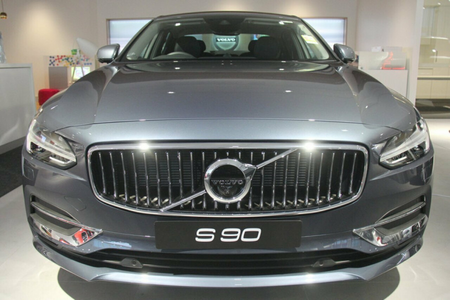 2018 Volvo S90 P Series T6 Inscription Sedan