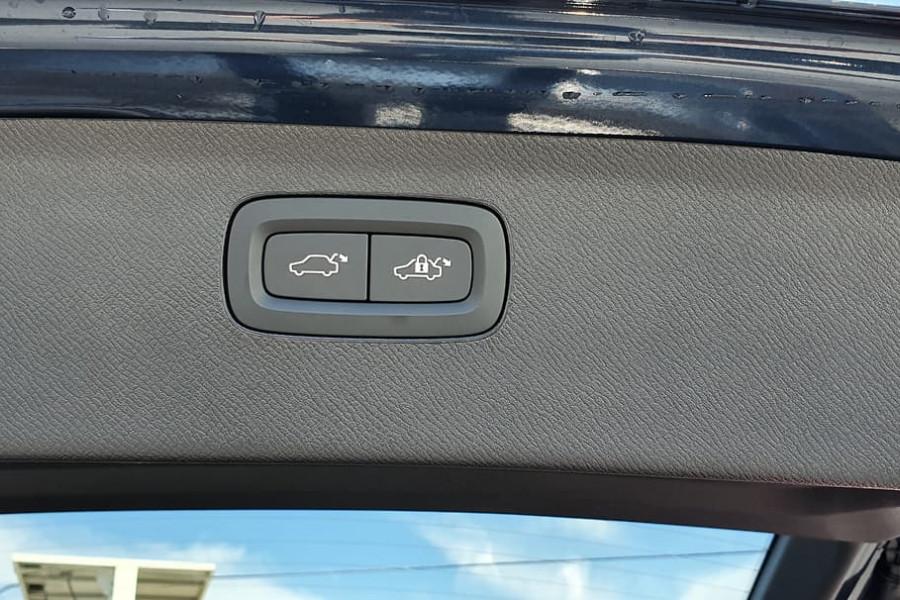 2019 Volvo XC90 L Series D5 Momentum Suv Mobile Image 18