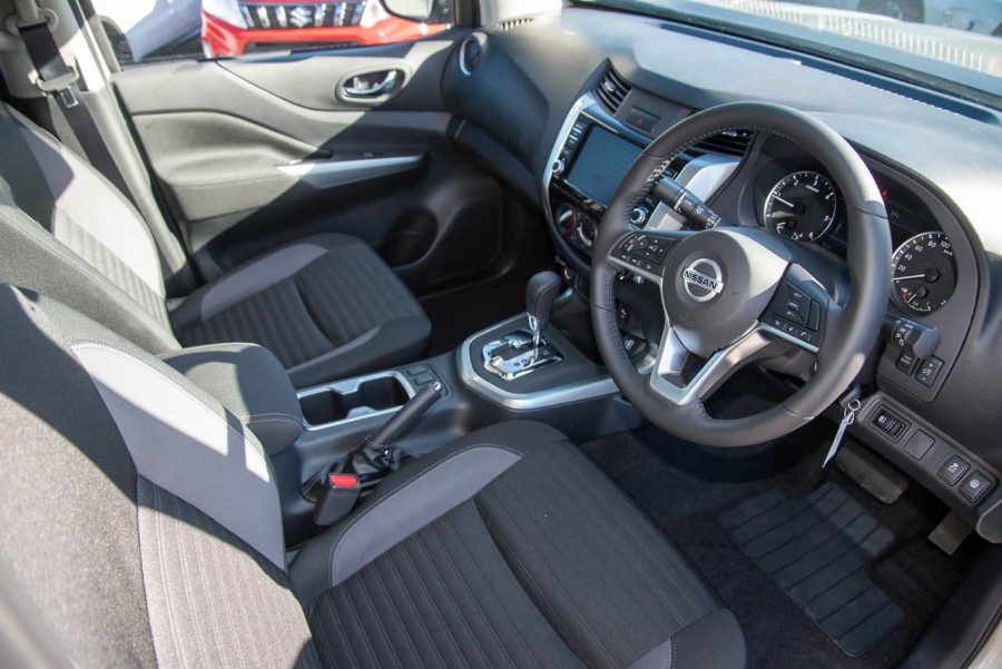 2021 Nissan Navara D23 Dual Cab ST Pick Up 4x2 Utility Image 7
