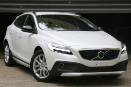 Volvo V40 Cross Country T4 Momentum M Series