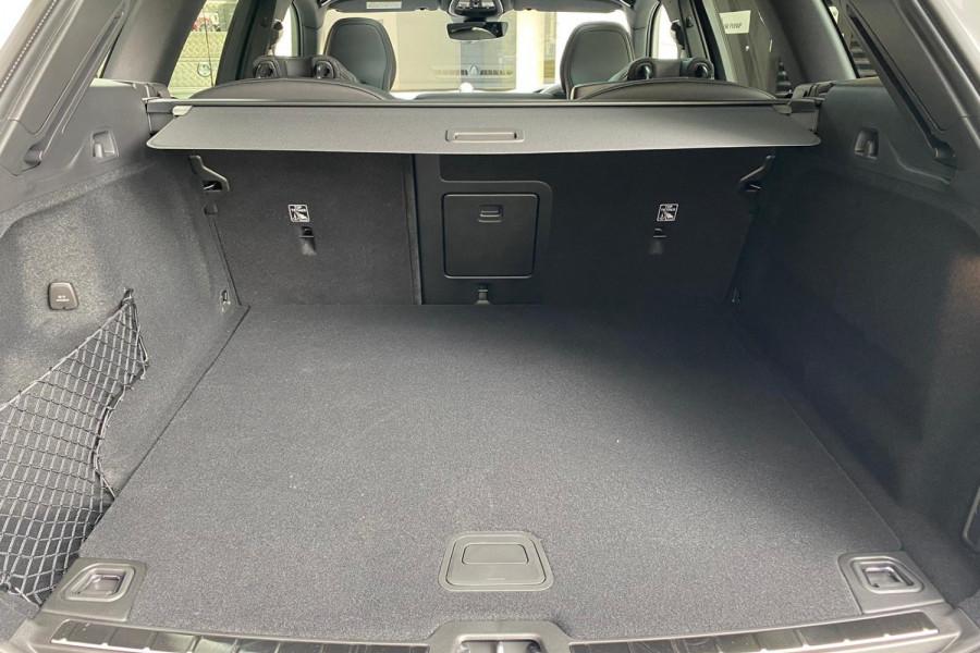 2022 MYon Volvo XC60 B6 R-Design Suv
