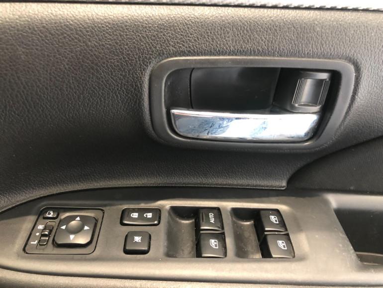 2017 Mitsubishi Outlander ZK LS 2wd 7 seat wagn Image 10