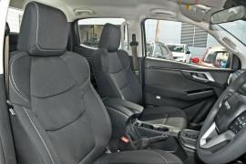 2020 MY21 Isuzu UTE D-MAX RG LS-M 4x4 Crew Cab Ute Utility Mobile Image 8