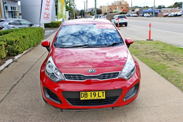 2014 Kia Rio UB  S Hatchback Image 3