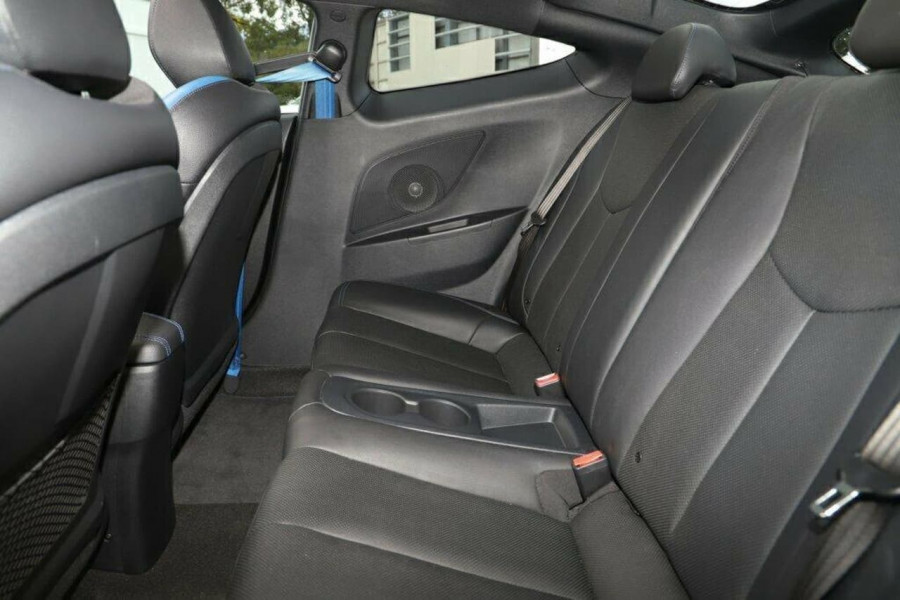 2016 Hyundai Veloster FS5 Series II Street Hatchback Image 14