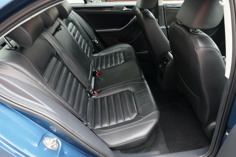 2015 Volkswagen Jetta 1B MY15 118TSI Sedan Image 6