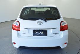 2009 Toyota Corolla ZRE152R Ascent Hatchback Image 5