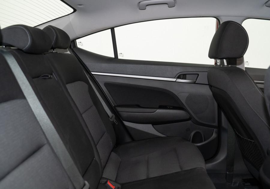 2018 Hyundai Elantra Hyundai Elantra Active 2.0 Mpi Auto Active 2.0 Mpi Sedan