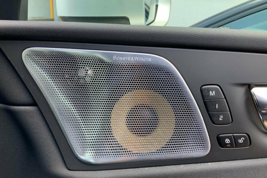 2018 MY19 Volvo XC60 246 MY19 D5 R-Design (AWD) Suv Mobile Image 21