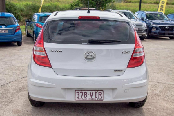 2011 Hyundai i30 FD MY11 SX 1.6 CRDi Hatchback Image 4