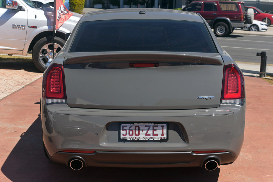 2018 Chrysler 300 LX MY18 SRT Sedan Mobile Image 3