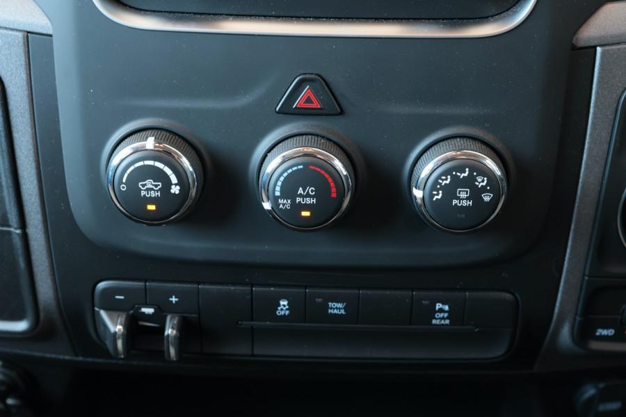 2020 Ram 1500 (No Series) Express Utility crew cab Image 13
