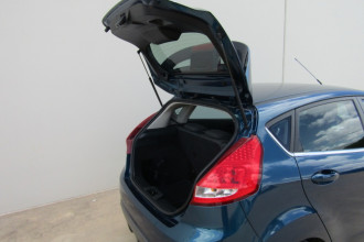 2011 Ford Fiesta WT LX Sedan Image 5